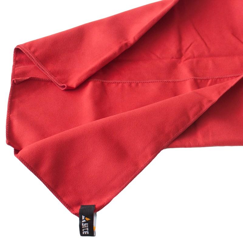 Rychleschnoucí ručník Yate rubínový 60x90cm