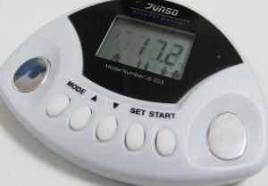 Měřič tělesného tuku JS-203