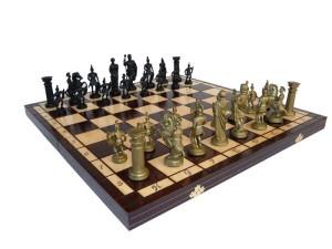 Šachy antické-plastové figury